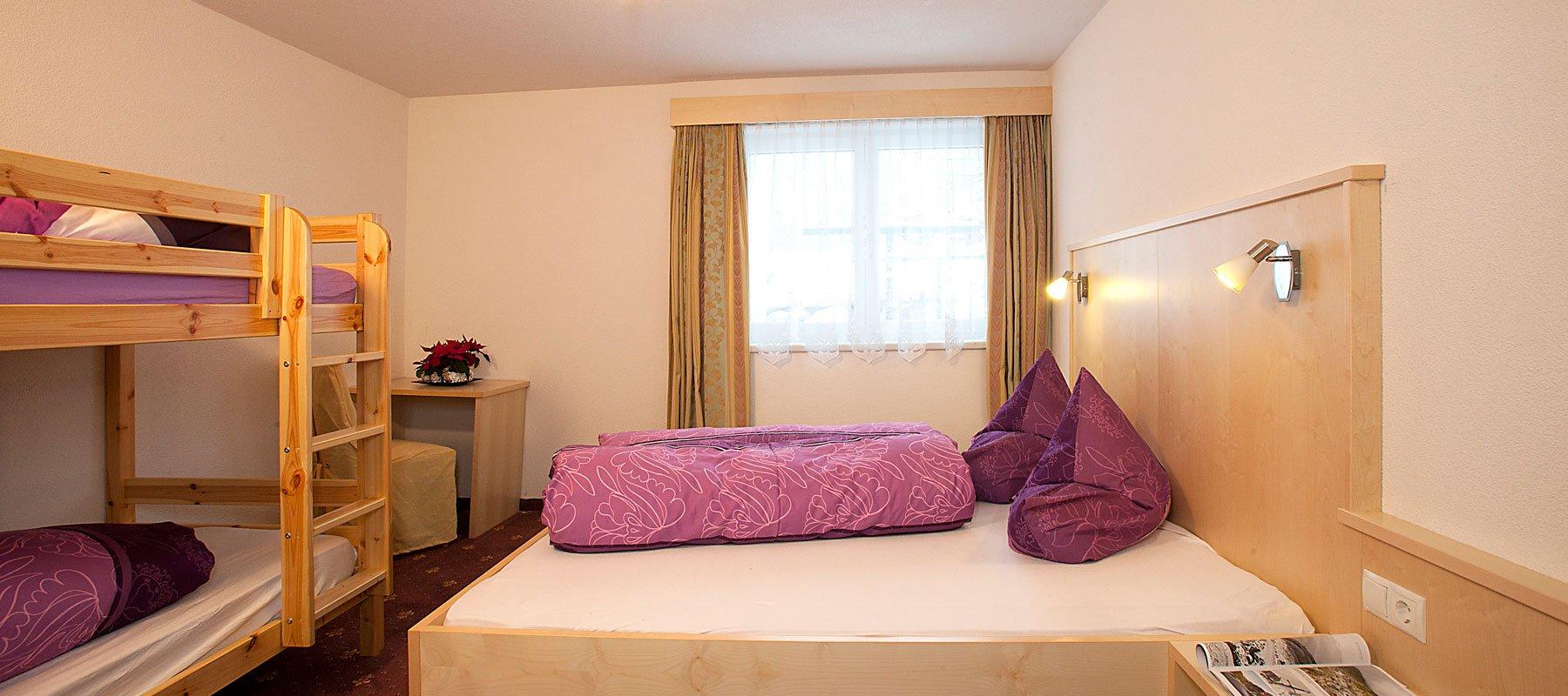 Haus Alpenflora Dreibettzimmer