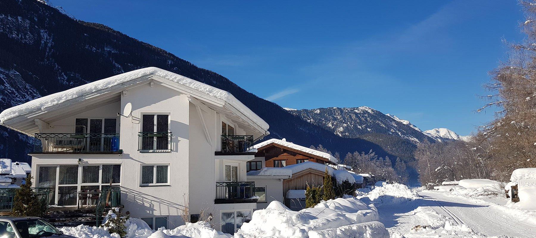 Haus Alpenflora im Winter
