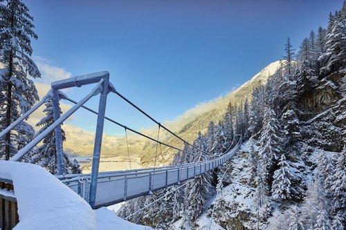 Winterwanderung zur Hängebrücke