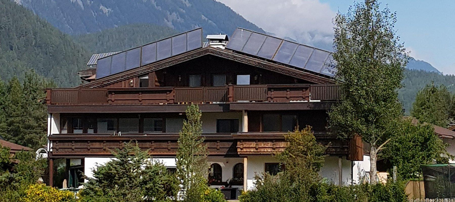 Ferienhaus Alpenroyal im Sommer